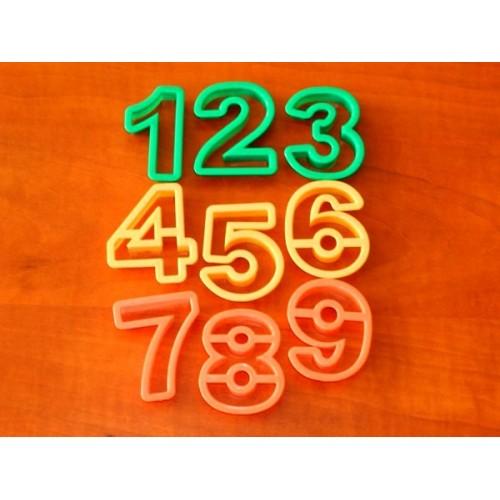 Vykrajovátka - čísla a znaky 15ks